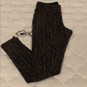 Limited Black/Gold stretch leggings Sz M.